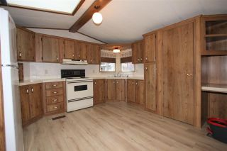 """Photo 3: 61 3300 HORN Street in Abbotsford: Central Abbotsford Manufactured Home for sale in """"Georgian Park"""" : MLS®# R2519380"""