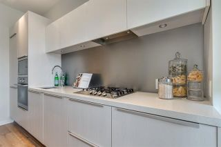 Photo 9: 210 1616 COLUMBIA STREET in : False Creek Condo for sale (Vancouver West)  : MLS®# R2324677
