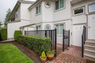 Photo 1: 3 12916 17 Avenue in Surrey: Crescent Bch Ocean Pk. Townhouse for sale (South Surrey White Rock)  : MLS®# R2453078