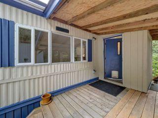"Photo 3: 12 5294 SELMA PARK Road in Sechelt: Sechelt District Manufactured Home for sale in ""Selma Vista"" (Sunshine Coast)  : MLS®# R2588410"
