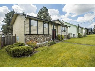 """Photo 2: 19558 64 Avenue in Surrey: Clayton House for sale in """"Bakerview"""" (Cloverdale)  : MLS®# R2575941"""