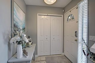 Photo 3: 75 Somerglen Place SW in Calgary: Somerset Detached for sale : MLS®# A1129654
