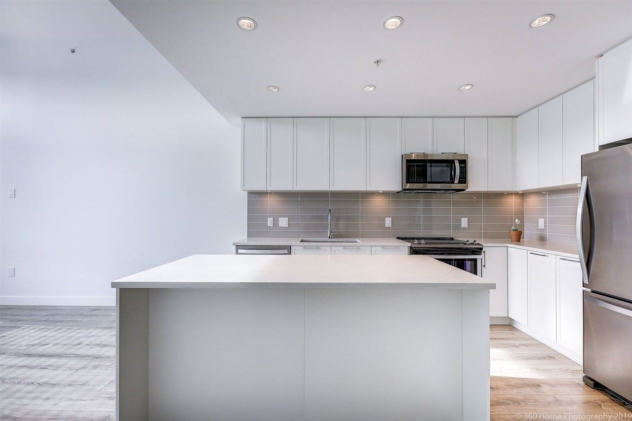 Photo 6: Photos: 412 2382 ATKINS Avenue in Port Coquitlam: Birchland Manor Condo for sale : MLS®# R2418574