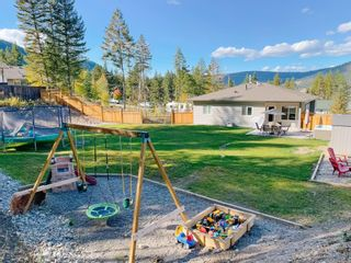 Photo 15: 2175 BLUFF VIEW Drive in Williams Lake: Lakeside Rural House for sale (Williams Lake (Zone 27))  : MLS®# R2623197