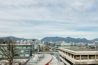 """Photo 5: 611 500 W 10TH Avenue in Vancouver: Fairview VW Condo for sale in """"Cambridge Court"""" (Vancouver West)  : MLS®# R2381638"""