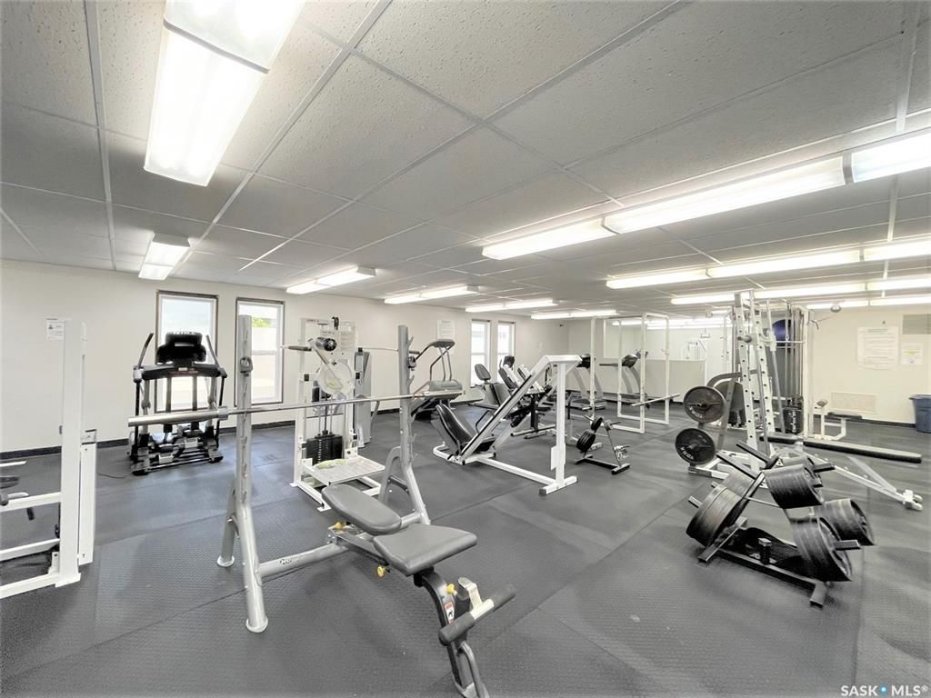 Main Photo: 219 Prince Street in Hudson Bay: Commercial for sale : MLS®# SK858570