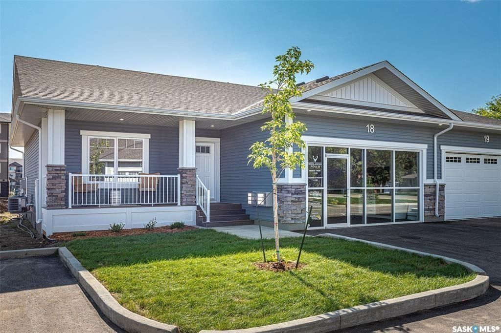 Main Photo: 9 3206 11th Street West in Saskatoon: Montgomery Place Residential for sale : MLS®# SK863326