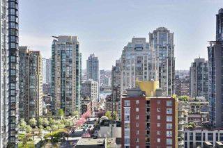 """Photo 10: 1509 1212 HOWE Street in Vancouver: Downtown VW Condo for sale in """"1212 HOWE by WALL FINANCIAL"""" (Vancouver West)  : MLS®# R2052065"""