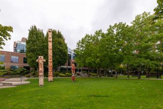 """Photo 17: 401 1575 W 10TH Avenue in Vancouver: Fairview VW Condo for sale in """"The Triton"""" (Vancouver West)  : MLS®# R2404375"""