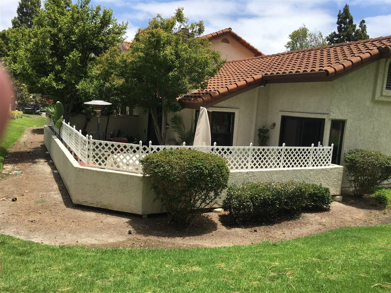 Photo 4: Photos: EAST DEL MAR Townhouse for sale : 2 bedrooms : 12984 Candela Pl in San Diego
