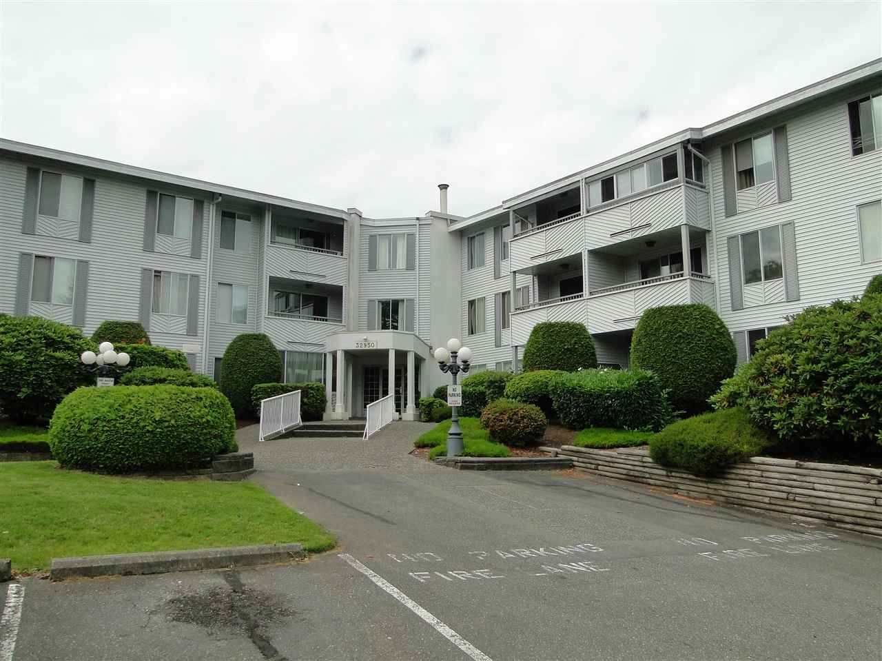 "Main Photo: 303 32950 AMICUS Place in Abbotsford: Central Abbotsford Condo for sale in ""The Haven"" : MLS®# R2243632"