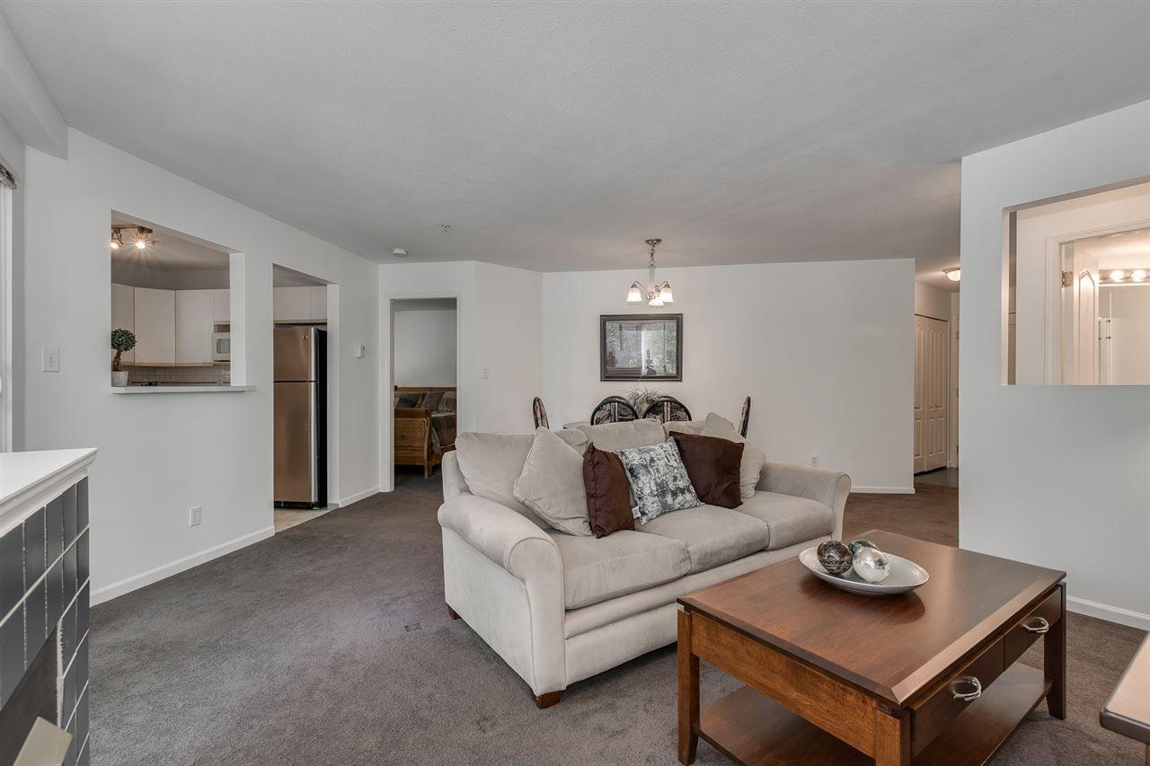"Main Photo: 215 2429 HAWTHORNE Avenue in Port Coquitlam: Central Pt Coquitlam Condo for sale in ""Stonebrook"" : MLS®# R2395016"
