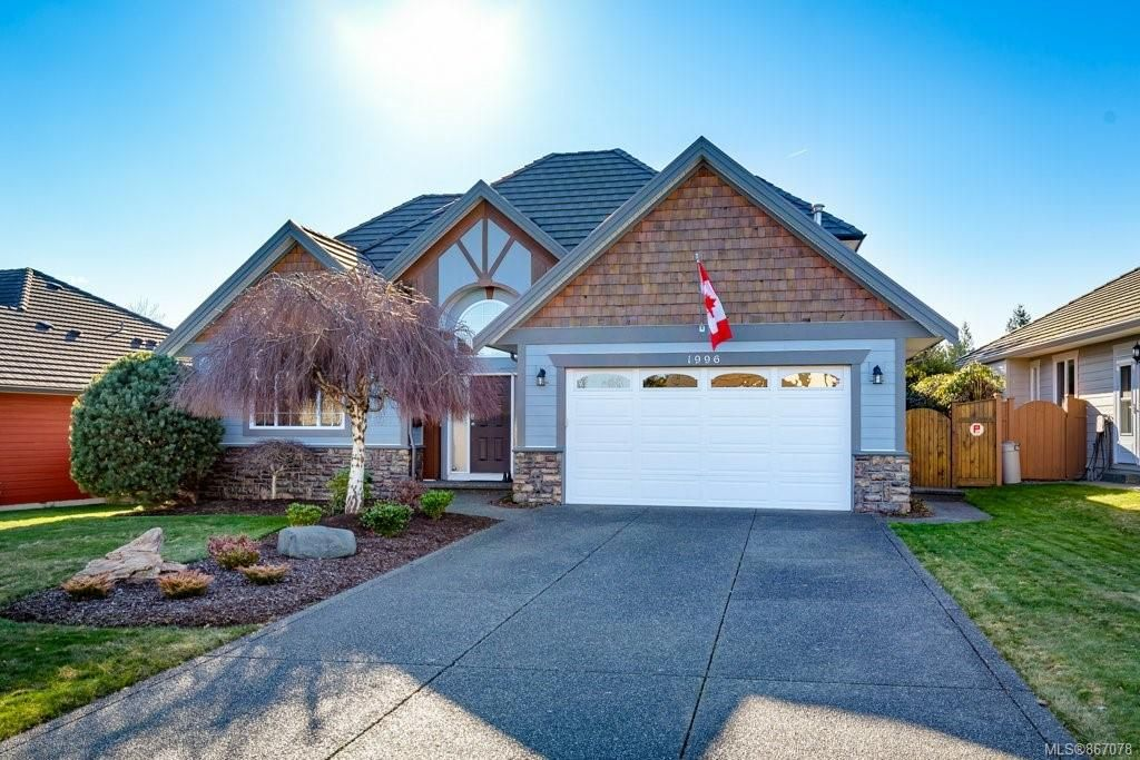 Main Photo: 1996 Sussex Dr in : CV Crown Isle House for sale (Comox Valley)  : MLS®# 867078