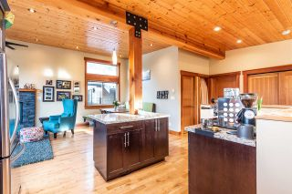 """Photo 6: 1006 PENNYLANE Place in Squamish: Hospital Hill House for sale in """"Hospital Hill"""" : MLS®# R2520358"""