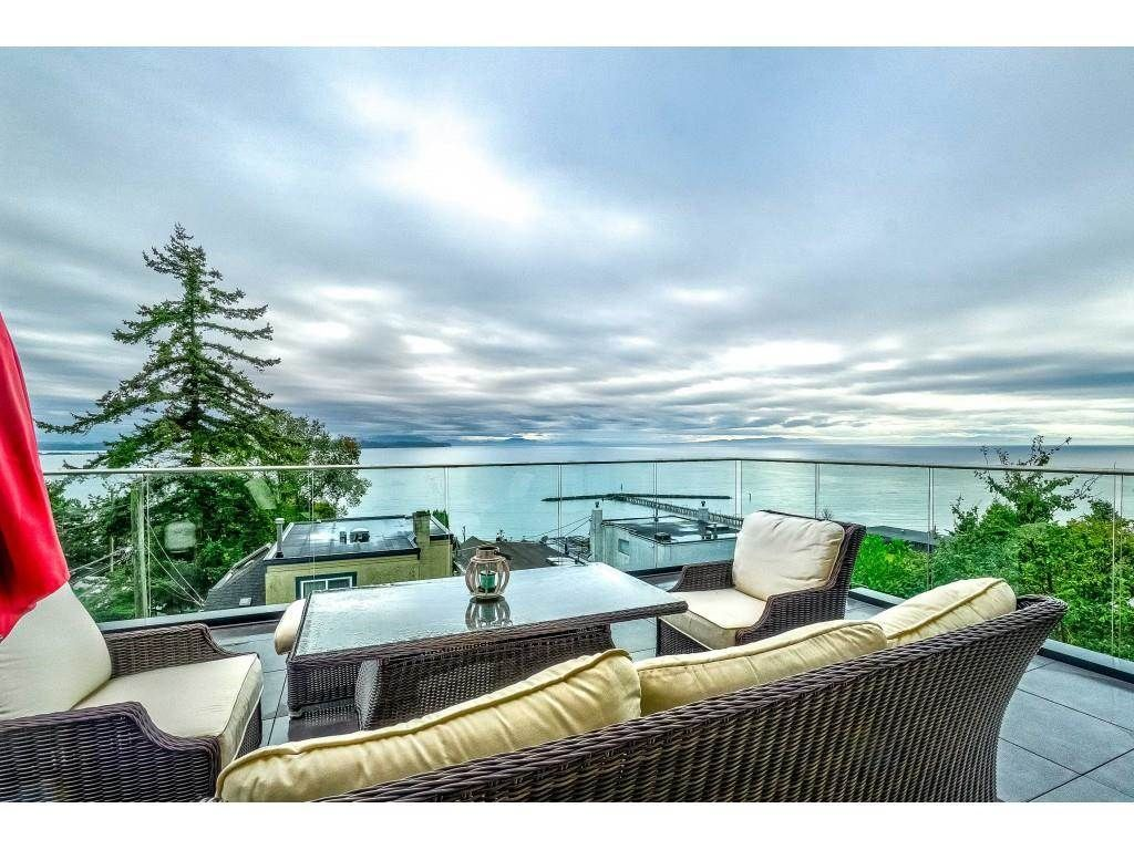 """Main Photo: 1105 JOHNSTON Road: White Rock House for sale in """"Hillside"""" (South Surrey White Rock)  : MLS®# R2577715"""