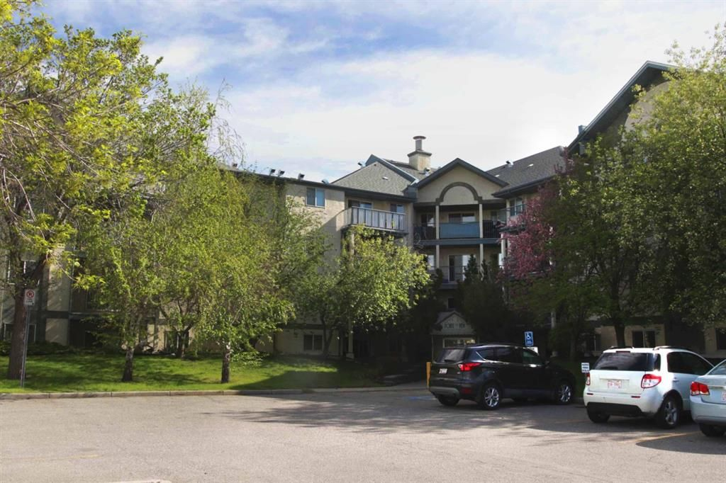 Main Photo: 305 10 Dover Point SE in Calgary: Dover Apartment for sale : MLS®# A1116749