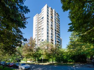 """Photo 2: 1805 1725 PENDRELL Street in Vancouver: West End VW Condo for sale in """"STRATFORD PLACE"""" (Vancouver West)  : MLS®# R2030894"""