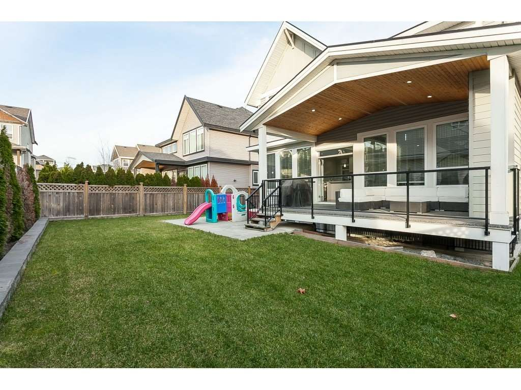 Photo 20: Photos: 5419 189A Street in Surrey: Cloverdale BC House for sale (Cloverdale)  : MLS®# R2420375