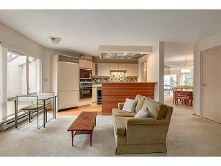"Photo 5: 304 2471 BELLEVUE Avenue in West Vancouver: Dundarave Condo for sale in ""OCEAN PARK"" : MLS®# V1092449"