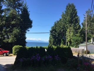 Photo 17: 3242 BEACH Avenue: Roberts Creek House for sale (Sunshine Coast)  : MLS®# R2425988