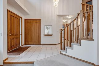 Photo 2: 709 EDGEBANK Place NW in Calgary: Edgemont Detached for sale : MLS®# C4259553