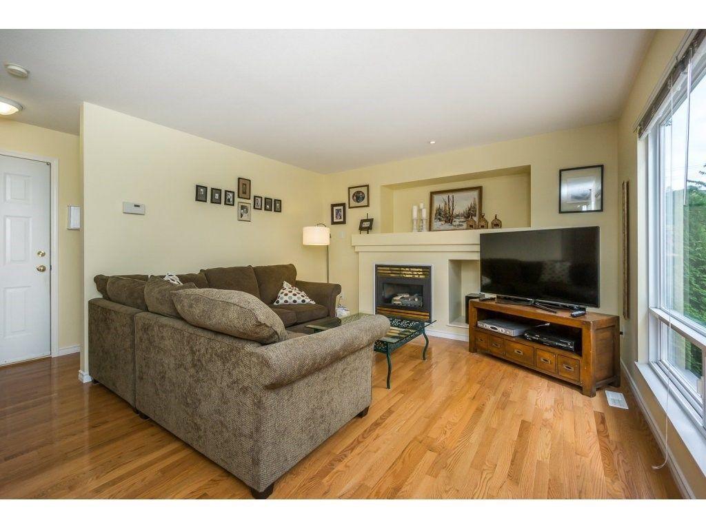 Photo 11: Photos: 9456 202B Street in Langley: Walnut Grove House for sale : MLS®# R2125683