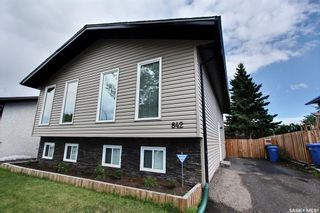 Photo 1: 842 Spencer Drive in Prince Albert: River Heights PA Residential for sale : MLS®# SK840561