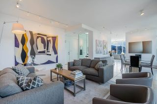 """Photo 3: 1702 1708 COLUMBIA Street in Vancouver: Mount Pleasant VW Condo for sale in """"Wall Centre False Creek"""" (Vancouver West)  : MLS®# R2580995"""