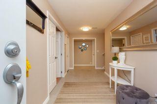 Photo 4: 2174 Wenman Dr in : SE Gordon Head House for sale (Saanich East)  : MLS®# 863789