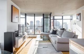 """Photo 3: 2106 128 W CORDOVA Street in Vancouver: Downtown VW Condo for sale in """"WOODWARDS W43"""" (Vancouver West)  : MLS®# R2222089"""