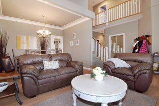 Photo 3: 23475 109 Loop in Maple Ridge: Albion House for sale : MLS®# R2045360