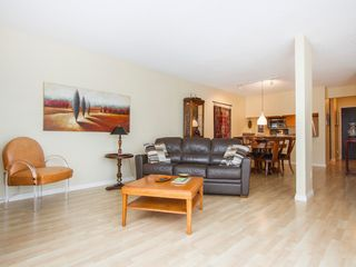 """Photo 8: 303 1540 MARINER Walk in Vancouver: False Creek Condo for sale in """"MARINER POINT"""" (Vancouver West)  : MLS®# V1121673"""