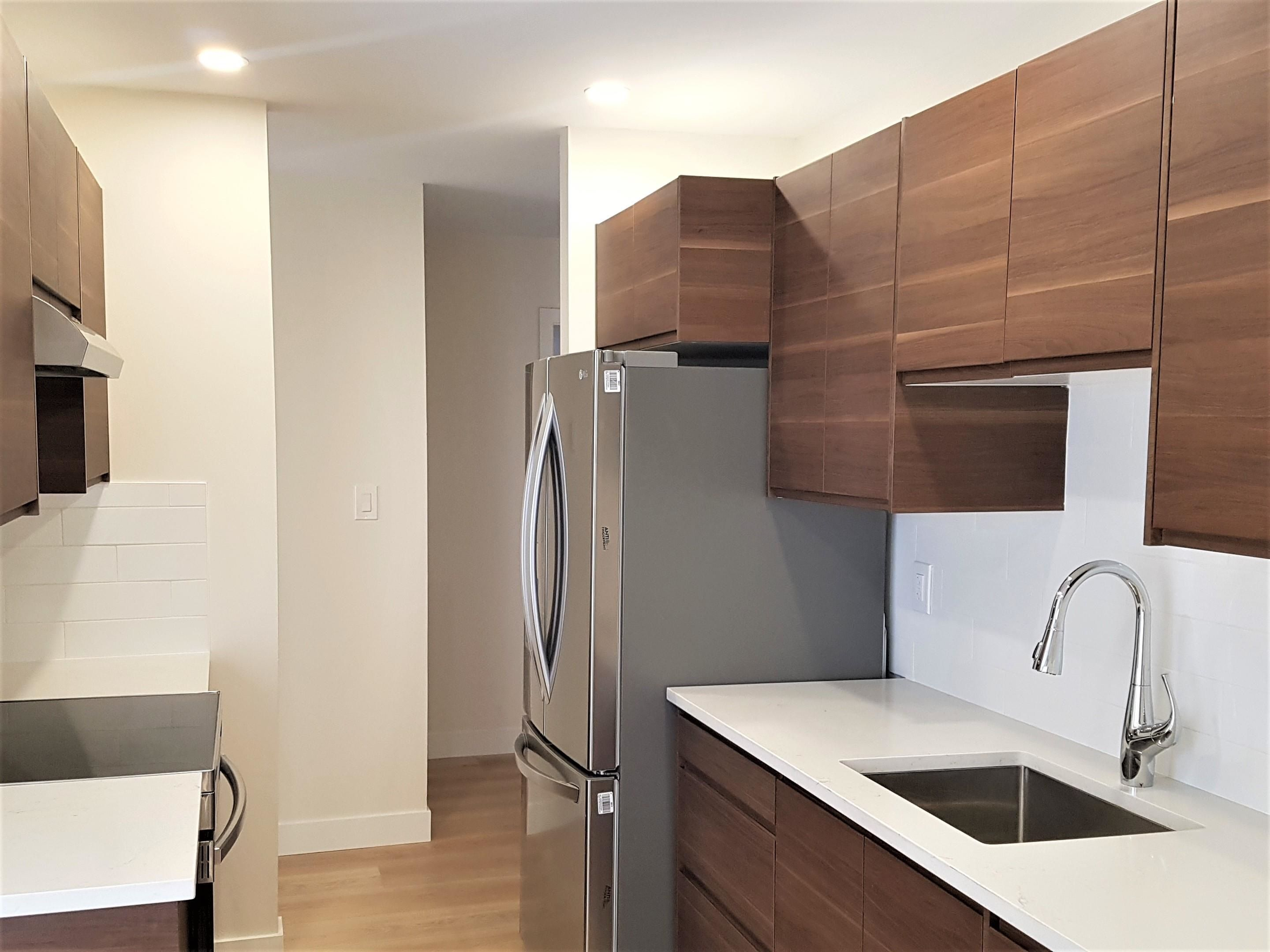 """Main Photo: 212 808 E 8TH Avenue in Vancouver: Mount Pleasant VE Condo for sale in """"Prince Albert Court"""" (Vancouver East)  : MLS®# R2612233"""