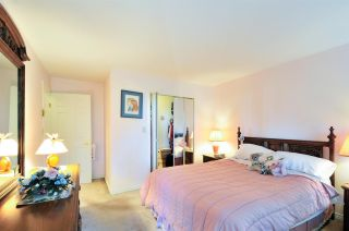 """Photo 14: 314 6707 SOUTHPOINT Drive in Burnaby: South Slope Condo for sale in """"MISSION WOODS"""" (Burnaby South)  : MLS®# R2201972"""