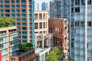 """Photo 5: 1108 822 SEYMOUR Street in Vancouver: Downtown VW Condo for sale in """"L'ARIA"""" (Vancouver West)  : MLS®# R2393856"""