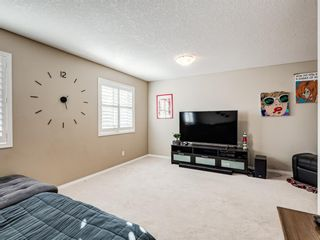 Photo 18: 332c Silvergrove Place NW in Calgary: Silver Springs Detached for sale : MLS®# A1088250