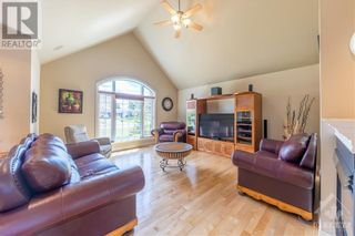 Photo 4: 280 OLD 17 HIGHWAY in Plantagenet: House for sale : MLS®# 1249289