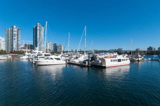 Photo 4: 606 1228 MARINASIDE CRESCENT in Vancouver: Yaletown Condo for sale (Vancouver West)  : MLS®# R2316104