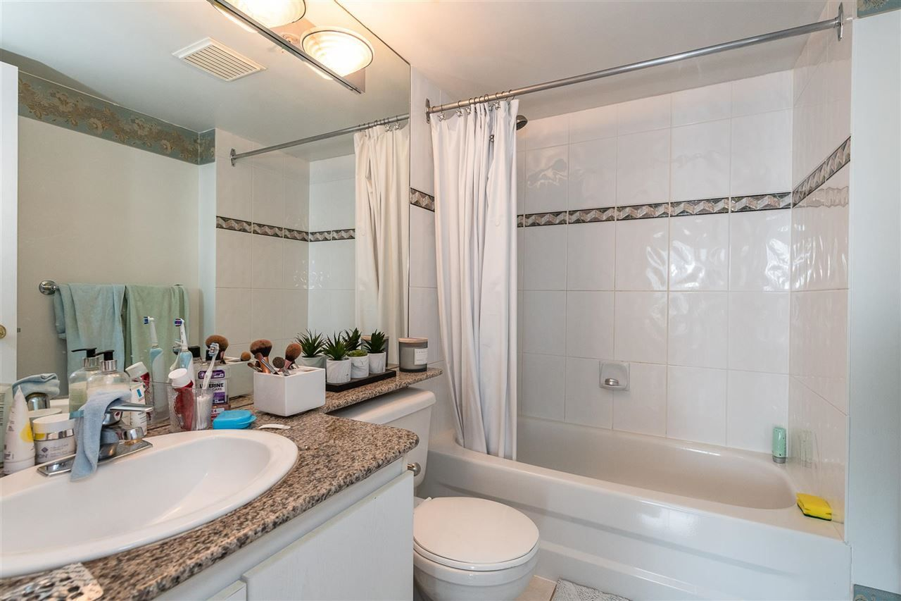 """Photo 12: Photos: PH4 1189 HOWE Street in Vancouver: Downtown VW Condo for sale in """"The Genesis"""" (Vancouver West)  : MLS®# R2513563"""
