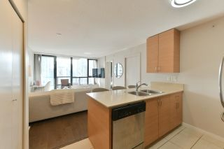 """Photo 4: 1208 928 HOMER Street in Vancouver: Yaletown Condo for sale in """"Yaletown Park 1"""" (Vancouver West)  : MLS®# R2615847"""