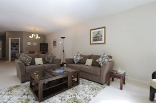 Photo 3: 305 1283 PARKGATE AVENUE in North Vancouver: Northlands Condo for sale : MLS®# R2214506