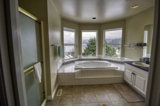 """Photo 14: 6192 HIGHMOOR Road in Sechelt: Sechelt District House for sale in """"The Shores"""" (Sunshine Coast)  : MLS®# R2341360"""