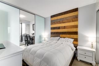 """Photo 10: 1002 170 W 1ST Street in North Vancouver: Lower Lonsdale Condo for sale in """"ONE PARK LANE"""" : MLS®# R2528414"""