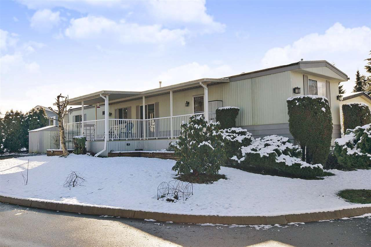 """Main Photo: 139 3665 244 Street in Langley: Otter District Manufactured Home for sale in """"LANGLEY GROVE ESTATES"""" : MLS®# R2433753"""