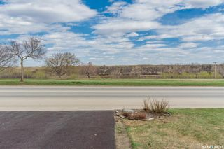 Photo 2: 239 Whiteswan Drive in Saskatoon: Lawson Heights Residential for sale : MLS®# SK852555