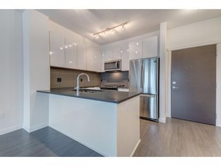 Photo 4: 323 15138 34 AVENUE in Surrey: Morgan Creek Condo for sale (South Surrey White Rock)  : MLS®# R2333980