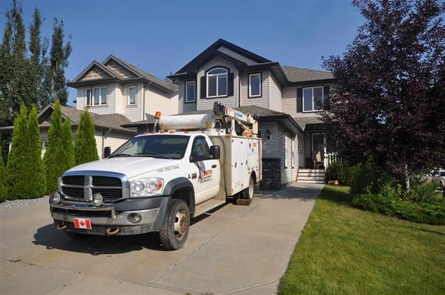 Main Photo: 20304 47 AV NW: Edmonton House for sale : MLS®# E4078023