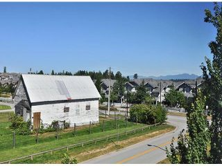 "Photo 2: 1 5988 OLD MCLELLAN Road in Surrey: Cloverdale BC Townhouse for sale in ""McLellan Mews"" (Cloverdale)  : MLS®# F1316563"