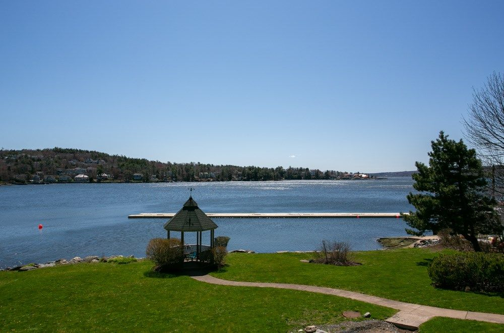 Main Photo: 8 411 Shore Drive in Bedford: 20-Bedford Residential for sale (Halifax-Dartmouth)  : MLS®# 202007275