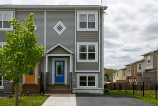 Photo 1: 11 Halef Court in Halifax: 7-Spryfield Residential for sale (Halifax-Dartmouth)  : MLS®# 202009193